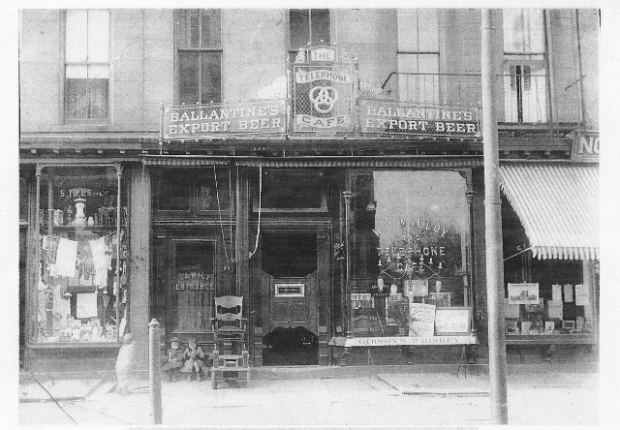 Molloy Cafe, New YorkCirca 1915